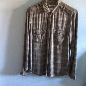 boyfriend fit camo button up !